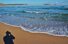 El meu amic el mar (josepponsibusquet.) Tags: mar mediterraneo sombra playa catalonia ombre catalunya islas costabrava catalua platja medes estartit medas lestartit mediterrani illesmedes illes baixempord goladelter mediterrnea