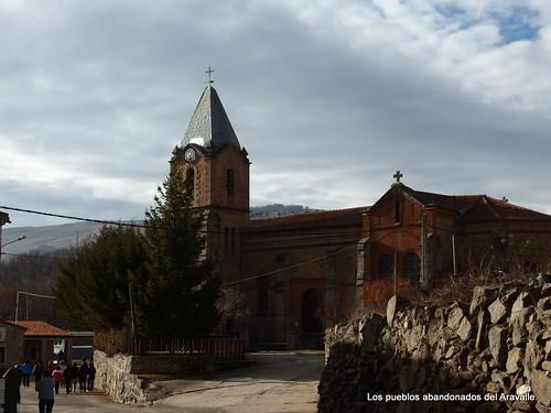 MARCHA-371-los-pueblos-abandonados-valle-de-aravalle-avila-senderismo (28)
