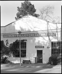 Harmony Valley Creamery Ass'n. (Summicron20/20) Tags: camera field inch g os rodinal ulf ilford fp4 v10 f9 schneider 125 claron deardorff 10x12 355mm
