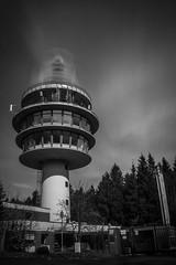 20160415-IMG_7866 (Nemesis_86) Tags: bw canon germany deutschland eos hessen wolken 8 sw mm 8mm funkturm langzeitbelichtung weitwinkel 70d radarturm