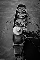Floating Market (Mustafa Selcuk) Tags: street travel blackandwhite bw monochrome thailand bangkok streetphotography monochromatic thai sb bnw siyahbeyaz seyahat