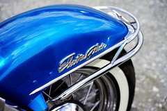 """Electra Glide"" (Eric Flexyourhead (shoulder injury, slow)) Tags: blue canada detail bike wheel metal vancouver zeiss emblem shiny downtown bc bokeh britishcolumbia harley motorbike fender chrome american badge harleydavidson motorcycle hog fragment electraglide shallowdepthoffield 2016 theshop waterfrontroad 55mmf18 sonyalphaa7 zeisssonnartfe55mmf18za spitnshine 2016spitnshinevintageandcustommotorcycleshowandshine"