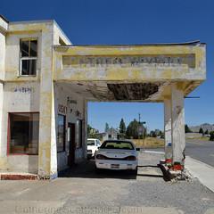 no gas (Patinagal) Tags: gasstation garage relic decay patina architecture