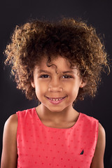 Romy (Oooah!) Tags: diy ilce7 portrait girl child cute ringlight sonya7 adorable curlyhair nautica kid