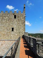 Castellina in Chianti - la torre (anto_gal) Tags: toscana siena chianti castellina 2015 torre rocca