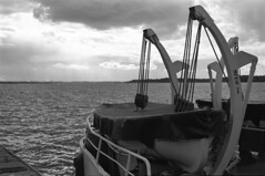 Boat (MZ163) Tags: samara leicar8 varioelmar35704 film fujiacros bw monochrome volga river russia