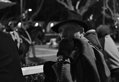 (Claudio Blanc) Tags: portrait retrato buenosaires blackandwhite blancoynegro noche night hipdromo street documentary