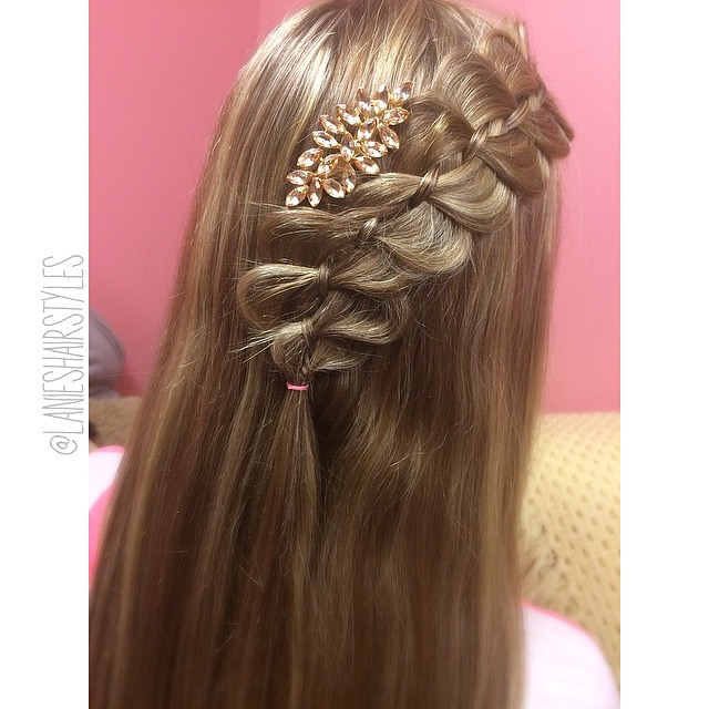 Lace 4 strand braid on my model Clīnt yesterday. I cant believe shes going to hollywood!!! So proud of my girl😍😍😍 I also used this cute accessory that kind of matches this picture alltogether😂😍 - QOTP- ar