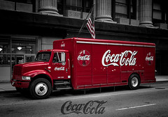 Coke truck Chicago (i*shoot*raw) Tags: red chicago rot truck flag coke cocacola flagge starsandstripes selectivecolor selectivecolour colorkey colourkey