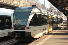 Thurbo => Die Regionalbahn ( SBB ) GTW RABe 2/6 526 706 - 7 mit Taufname Simon Niggli ( Gelenk - Triebwagen - Nahverkehrszug => 2 - Teilig => Hersteller Stadler Rail ) am Bahnhof St. Gallen im Kanton St. Gallen in der Schweiz (chrchr_75) Tags: chriguhurnibluemailch christoph hurni schweiz suisse switzerland svizzera suissa swiss chrchr chrchr75 chrigu chriughurni mrz 2015 chriguhurni albumbahnenderschweiz albumbahnenderschweiz201516 schweizer bahnen eisenbahn bahn train treno zug albumzzz201503mrz albumbahnthurbo thurbo regionalbahn tralin juna zoug trainen tog tren  lokomotive  locomotora lok lokomotiv locomotief locomotiva locomotive railway rautatie chemin de fer ferrovia  spoorweg  centralstation ferroviaria