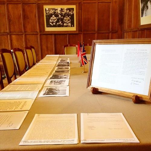 Основные и самые значимые документы Ялтинской конференции выставлены в Ливадийском дворце к 70-летию события