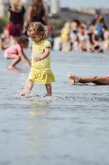 Le Miroir d'Eau, Bordeus, Frana. 2014 (EnricAndDestroy) Tags: water kids eau bordeaux frana garonne aigua nens reflexes aquitania bordeus lemiroirdeau miralldaigua