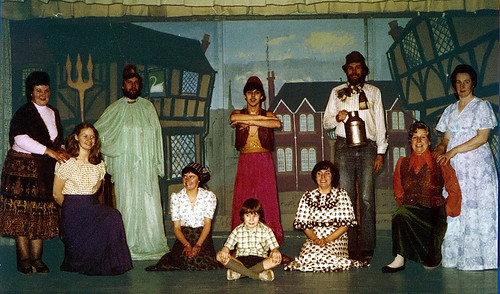 1978 Dick Whittington 01 (x,Julie Marsh,x,x,Mark Hampton sat, Iain Thompson,Carolyn Young,David White, Janet Smith,Christine Kirk)