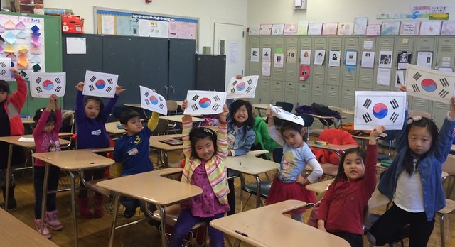 호기심 많은 유치부 동산반 아이들의 진지한 수업태도와 그  환한 미소와 눈동자는 더욱 더 빛나 보인다