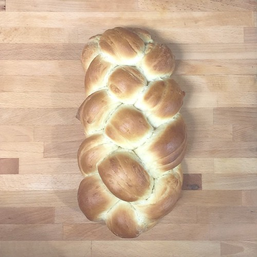 "Challah • <a style=""font-size:0.8em;"" href=""http://www.flickr.com/photos/79781095@N04/16803863876/"" target=""_blank"">View on Flickr</a>"