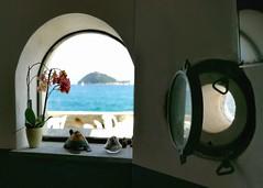 Istanti... (tittamouse) Tags: mare sea blue oblo noiliguri albenga italia italy isole seascape landscape isolagallinara island vista view