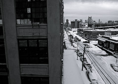from queens to manhattan (-{ ThusOriginal }-) Tags: bw blackandwhite bridge building car city digital grd3 grdiii monochrome newyork nyc powerline queens ricoh snow street thusihaveseen winter thusoriginal