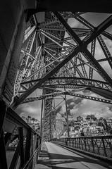 Iron Bridge 818 (_Rjc9666_) Tags: arquitectura bridge iron nikond5100 places ponte pontedomluis porto portugal rio river sky street tokina1224dx2 urbanphotography vilanovadegaia ruijorge9666 pt bw 1489 818