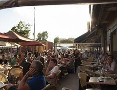 Las terrazas en Francia (Micheo) Tags: recuerdosdeniza memories recuerdos niza nice vacaciones ciudad city gente terrazas bares fiesta celebracion vida life street calles