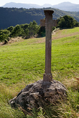 Ancient crucifix | Murat and around-29 (Paul Dykes) Tags: france murat auvergne landscape countryside cantal paysage campagne afternoonlight crucifix jesuschrist naive vernacularart