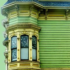 oakland oldie (msdonnalee) Tags: victorianhouse victorianarchitecture oaklandvictorian house oldhouse casa dom haus maison victorianbaywindow customwindowshades