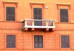 ROMA WINDOWS SHUTTERS BALCONY (patrick555666751) Tags: romawindowsshuttersbalcony roma windows shutters balcony balcon fenetre window finestre ventana volets shutter italie italia italy lazio latium europa balkon rome
