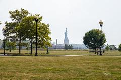 La statue de la libert (regis.muno) Tags: newyork manhattan nikond7000 usa jerseycity libertypark ladyliberty lastatuedelalibert