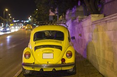 we all live in a yellow... (maculatefoto) Tags: october city street road night yellow carl zeiss jena tessar 50mm f28 pentax k5ii car old we all volkswagen auto gece araba vosvos bokeh