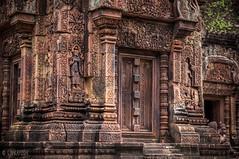 Banteay Srei (Gabriela Nakayoshi) Tags: banteaysrei camboya asia cambodia d90 nikon temple