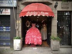 Antoine's Alta Costura (-jamesstave-) Tags: mexico mexicocity cdmx df distritofederal ciudaddemxico hipdromo coloniaroma romanorte street calle altacostura couture style fashion moda estilo glamour dress vestido color pink rosa awning toldo iphone5s