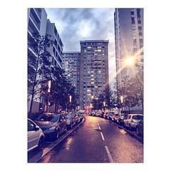 (tifanm_laurent) Tags: towers tours btiments immeubles building banlieueparisienne epinaysurseine iledefrance nuit night evening lights lumires ville
