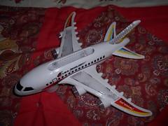 Cheap electronic plane (ItalianToys) Tags: toy toys giocattolo giocattoli plane aereo aeroplano airplane