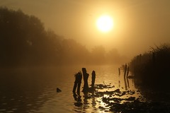 Dawn mist over the River Exe (matt.clark25) Tags: fog autumn mist river exe riverexe devon exeter weather morning dawn sunrise shadow reflection reflections
