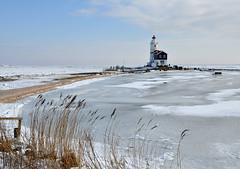 Marken - the lighthouse in winter light.. (leuntje) Tags: winter lighthouse ice netherlands frost explore vuurtoren marken ijsselmeer noordholland frozenlake markermeer gouwzee hetpaard hetpaardvanmarken