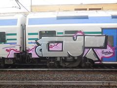 gotham (en-ri) Tags: train writing out torino graffiti grigio crew punta zenit nero culto quadrato rossa