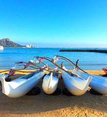 Outrigger canoes and Diamond Head (peggyhr) Tags: hawaii diamondhead outriggercanoes 25faves peggyhr ipadmini3