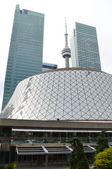Roy Thomson Hall [Toronto - 16 August 2014] (Doc. Ing.) Tags: city summer toronto ontario canada building glass architecture skyscraper northamerica on 2014 raythomsonhall