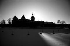 Last daylight (*Kicki*) Tags: a850 gripsholmsslott castle mariefred gripsholm sweden fs150208 farglost fotosondag slott svartvitt explore flickrexplore explored buoys buoy