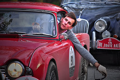 the zoute rally VIII (Hector del Hoyo) Tags: classic vintage belgium rally belgi rollsroyce grandprix knokke mercedesbenz bmw chrysler autos alfaromeo belgica peugeot bentley coches astonmartin automviles vintageautos clsicos cochesclsicos zoute thezouterally klassiekeautos