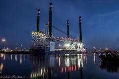 Blaue Stunde im Kaiserhafen (michael_kuschmierz) Tags: