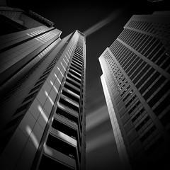 Shinagawa INTER CITY, Tokyo. (Masahiko Kuroki (a.k.a miyabean)) Tags: bw architecture square noiretblanc 品川インターシティ fujixe1 fujifilmsuperebcxf2841855mm