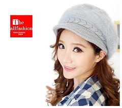 HW-0005 – หมวกแก๊ปผ้าวูลอย่างดีเกรดเอถักลายน่ารักคาดรอบศีรษะและที่ปีกสามารถปิดหูกันหนาวได้สบาย