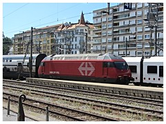 SBB CFF FFS, Re 460 004-5 (v8dub) Tags: sbb cff ffs re 460 004 5 schweiz suisse switzerland fribourg freiburg gare station bahnhof zug train trein treno railway railroad lokomotive locomotive loco lok bahn eisenbahn