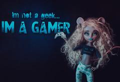 Meet Nicole! (Klio.13) Tags: monster toys high dolls ooak gamer custom mattel customdolls dollphotography toyphotography handmadeoutfit monsterhigh booyork mouscedes mouscedesking