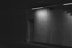 the closed room (www.jucahelu.com) Tags: white black closet photographer room jucahelu