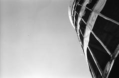 the tower (Luca Scarpa) Tags: berlino berlin architettura architecture building teufelsberg film bn bw blackandwhite biancoenero