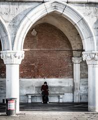 2016-08-12_Venedig - Venice - gritty version_IMG_8103 (dieter_weinelt) Tags: bluesky brcken dieter fiona gondeln kanal kanle melanie morgenstimmung sommer2016 sonnenschein tauben touristen venedig venice victoria blauerhimmel boats boote bridges canals doves empty erarlymorning fastleer gondolas morgens nearlyempty notourists onlyworkers summer2016 sunshine tourists