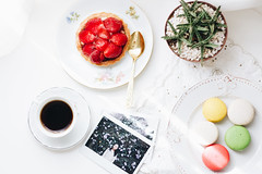 5/100 - French Desserts (AndreaDrops) Tags: 50mm14 beautifullight brasilia canon strawberry strawberryshortcake coffee instaxwide macaron succulent cactus