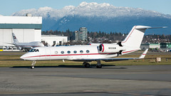 N333GW - Private - Gulfstream Aerospace G450 (bcavpics) Tags: canada vancouver plane airplane britishcolumbia aircraft aviation yvr aerospace gulfstream bizjet g450 bcpics n333gw
