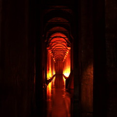 Basilica Cistern @ Istanbul (Rakel Reds) Tags: light water architecture roman perspective istanbul historical archaeological sultanahmet basilicacistern